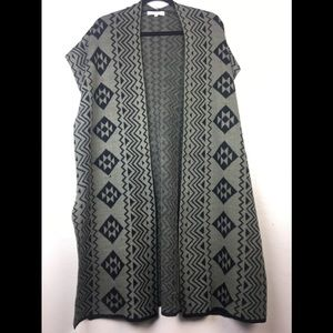 Woman's at last knit vest knit cardigan medium